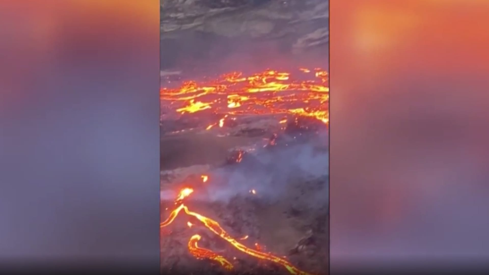 كأنها بقعة من الجحيم.. لحظة ثوران بركان بعد أكثر من 900 عام في أيسلندا