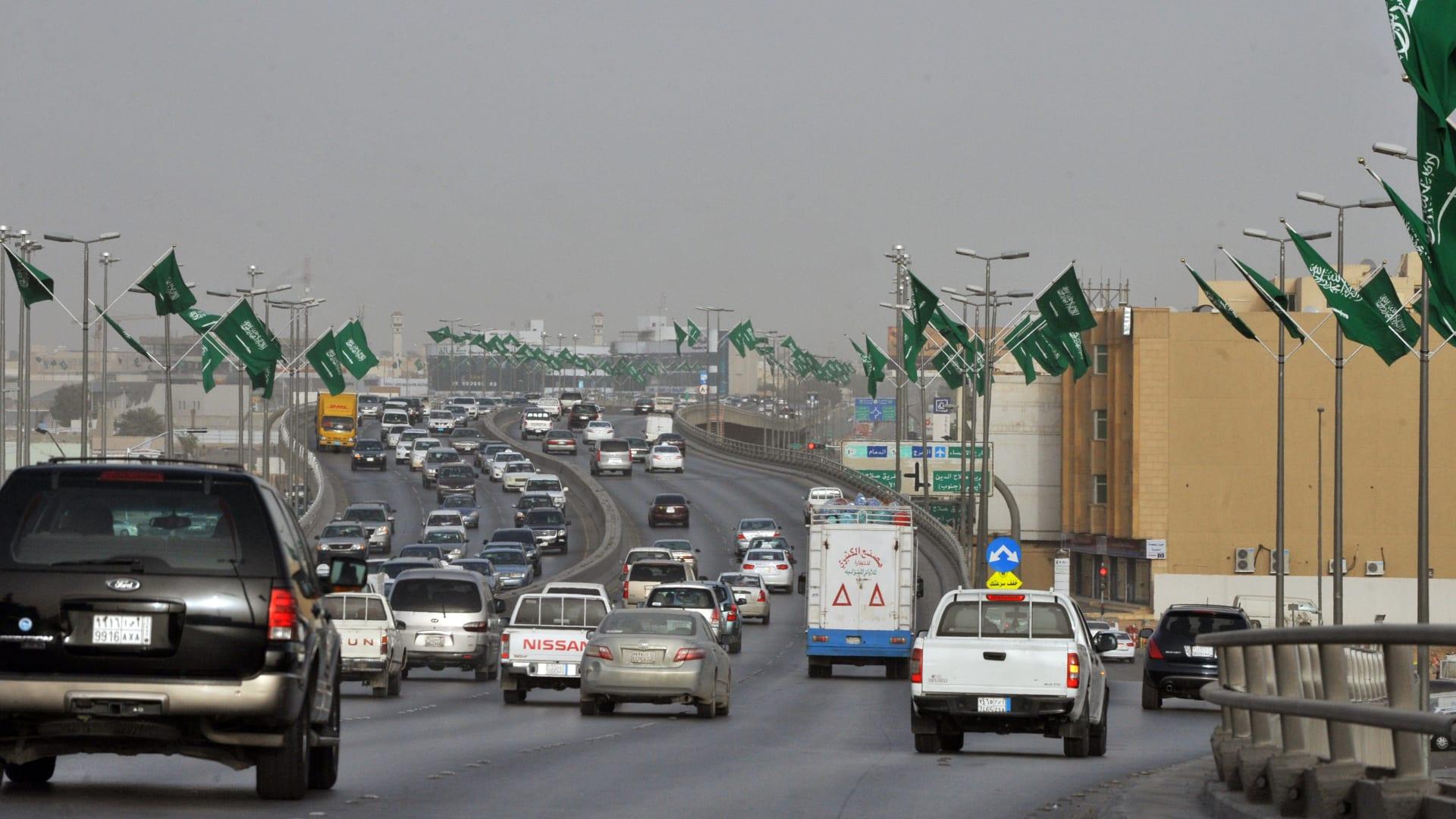 صورة أرشيفية (تعبيرية) من أحد شوارع العاصمة السعودية، الرياض 2011