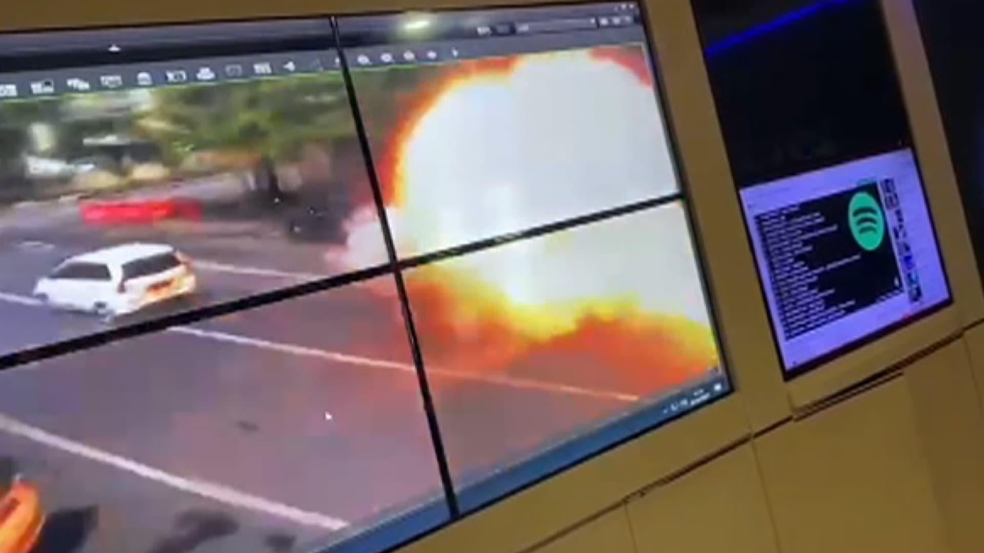 فيديو يُظهر لحظة وقوع الانفجار خارج كنيسة كاثوليكية في إندونيسيا