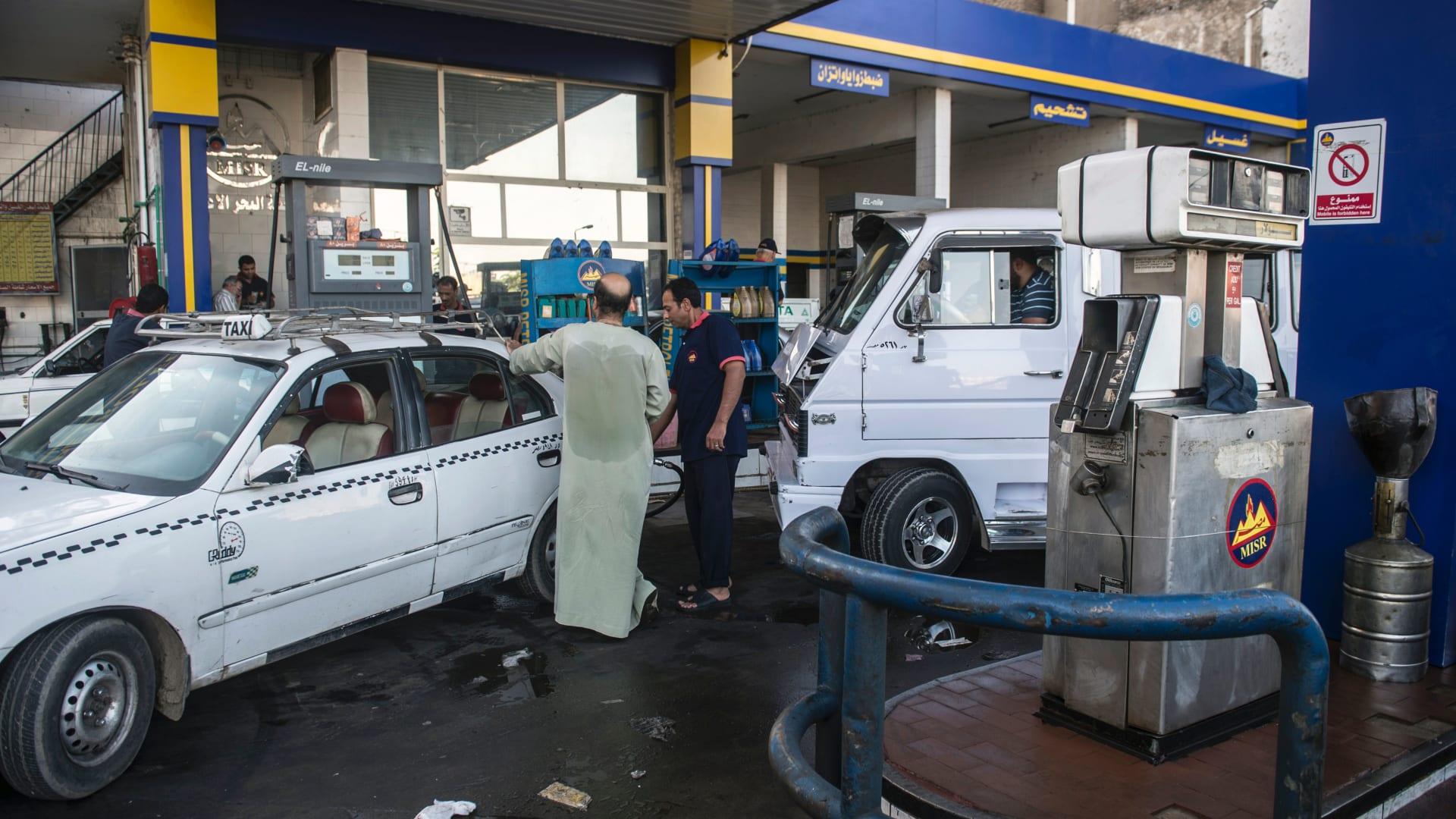 صورة ارشيفية لمحطة وقود في مصر