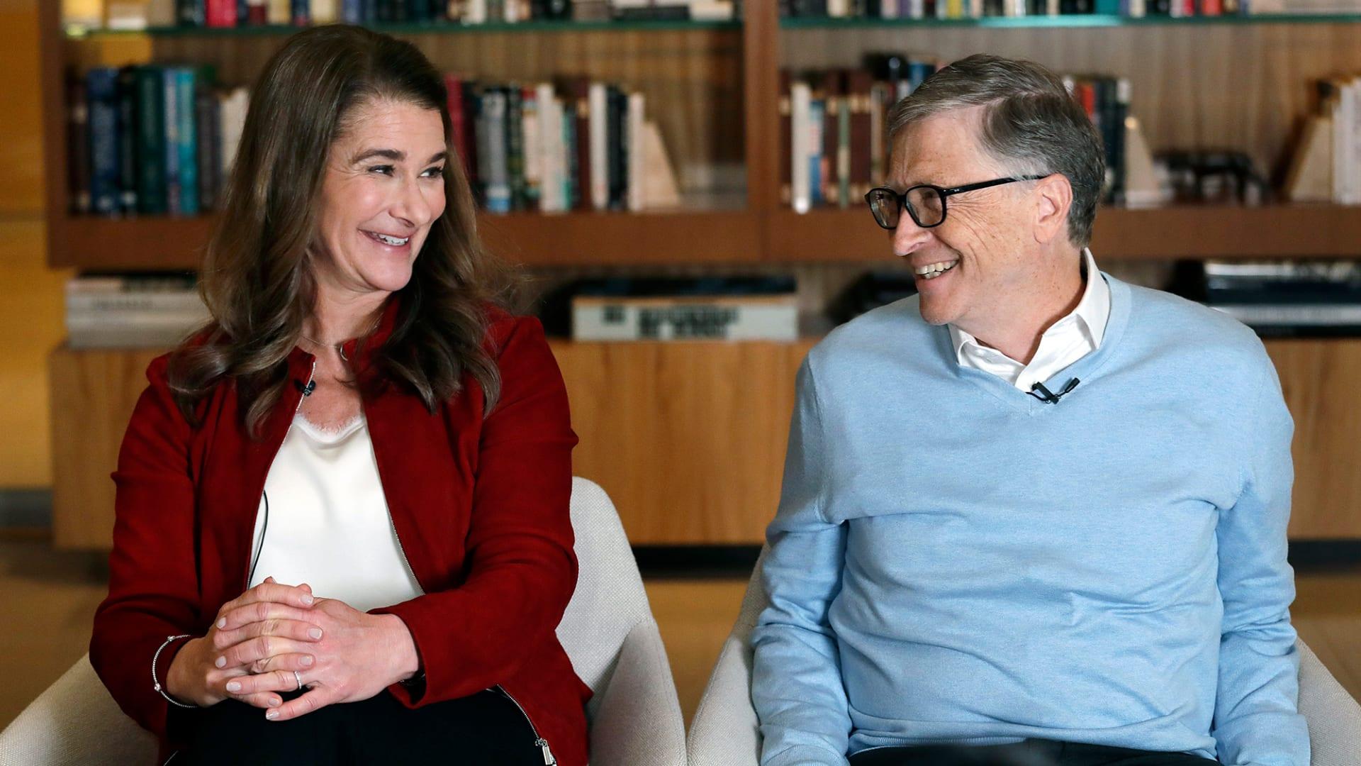 دامت 34 عاماً.. نظرة على علاقة بيل وميليندا غيتس عبر السنين