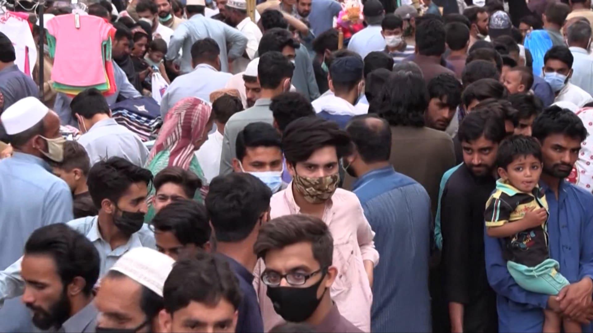 مع اقتراب احتفالات عيد الفطر.. تخشى العديد من دول جنوب آسيا من مواجهة تفشي فيروس كورونا مشابه لما يحدث في الهند