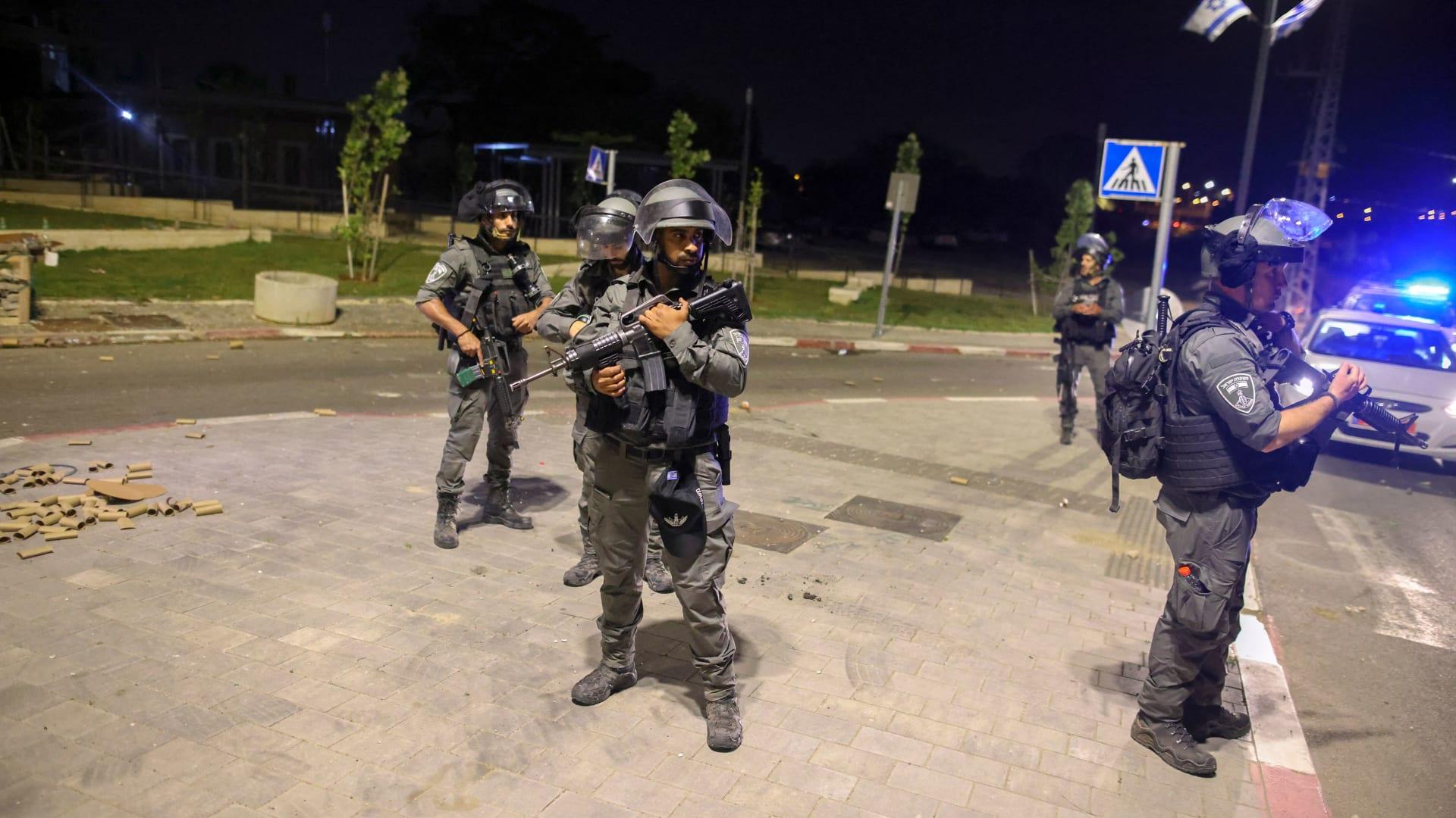 عناصر من الشرطة الإسرائيلية قرب اللد