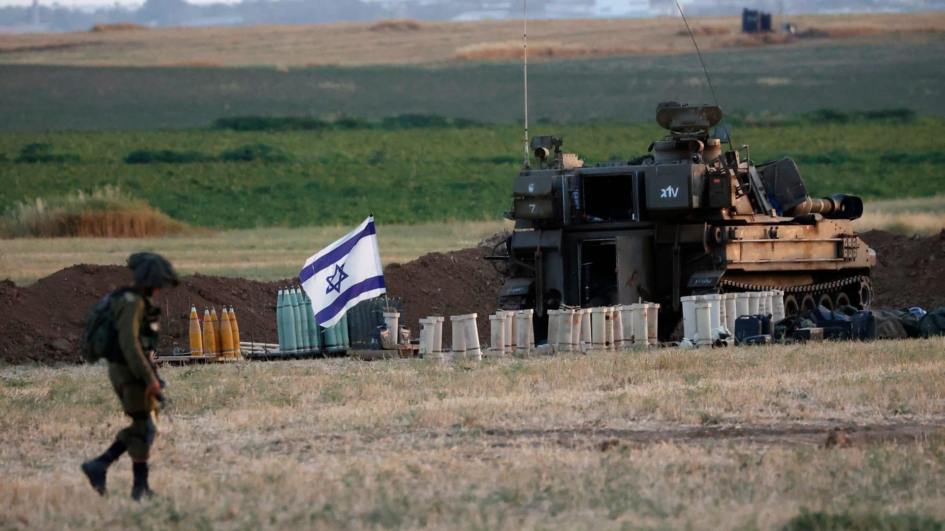 دبابة إسرائيلية قرب قطاع غزة