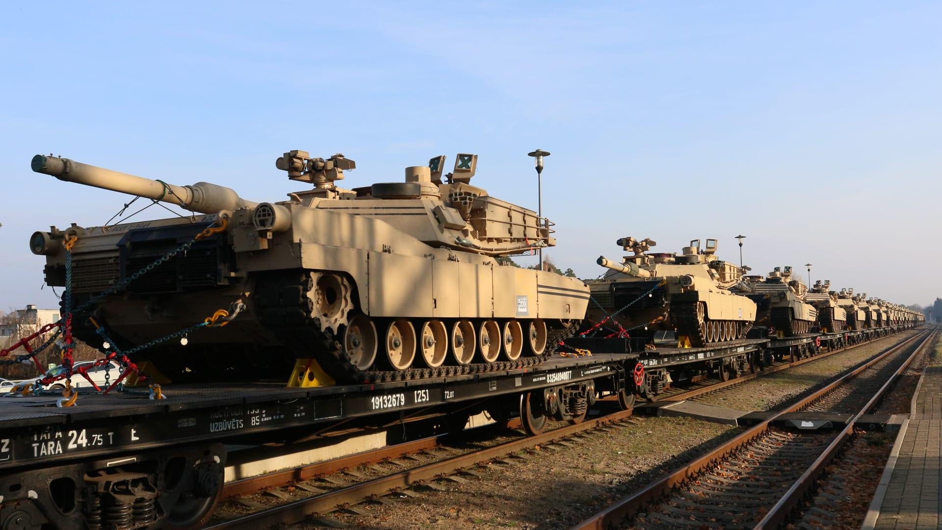 US-tanks-military