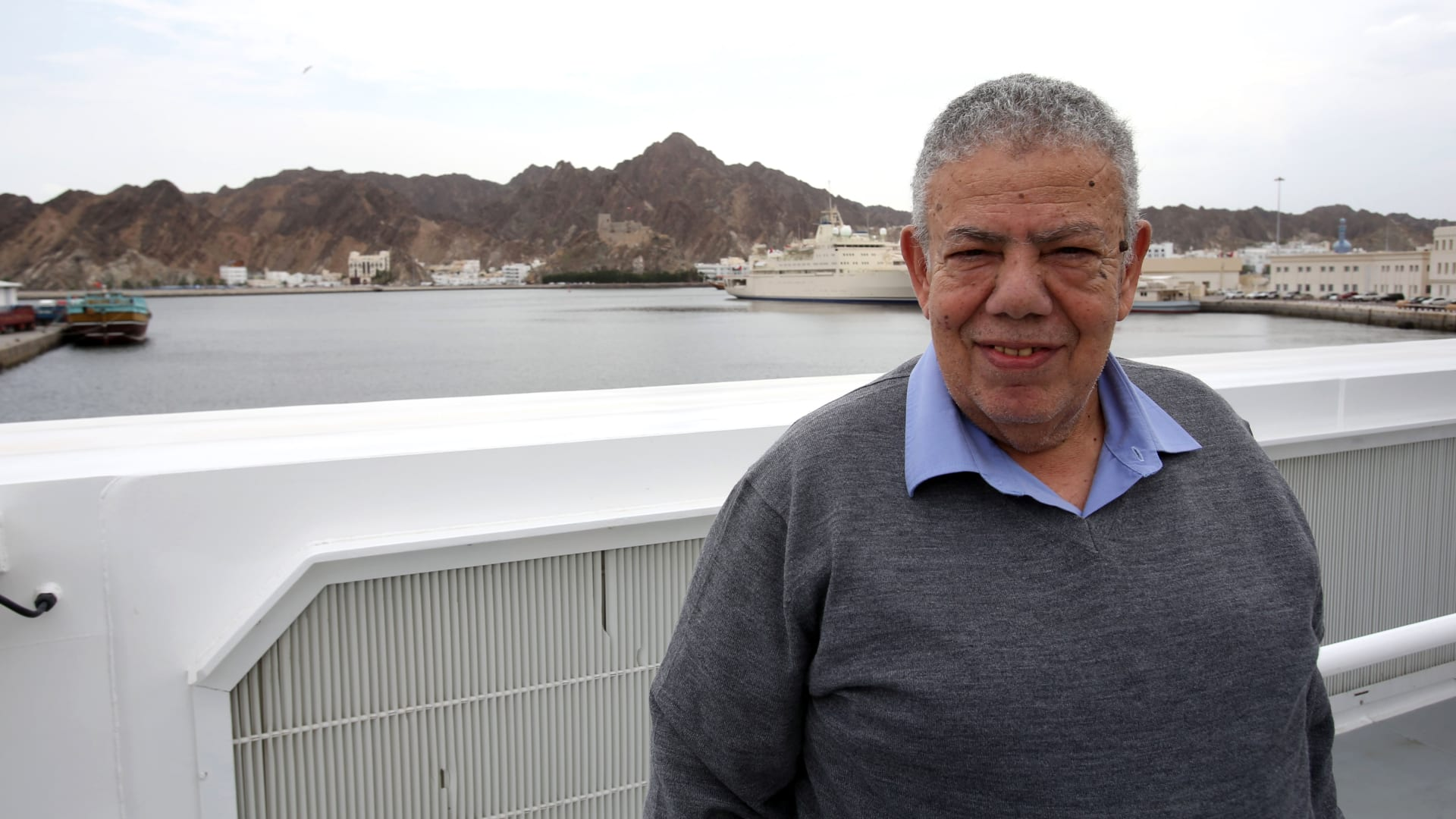 بشير الديك يعتذر من كتاب الدراما المصرية