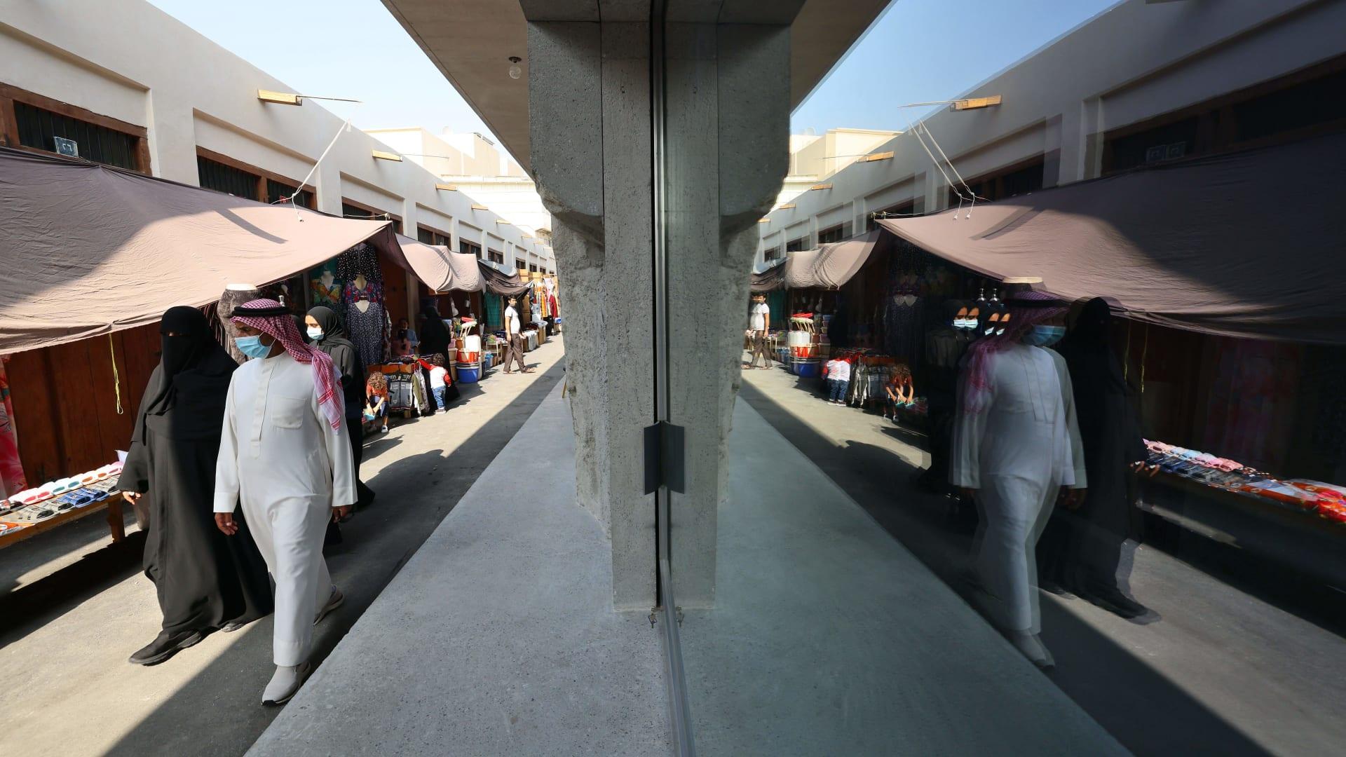 البحرين تعلن عن قرارات جديدة وسط زيادة أعداد المصابين بكورونا