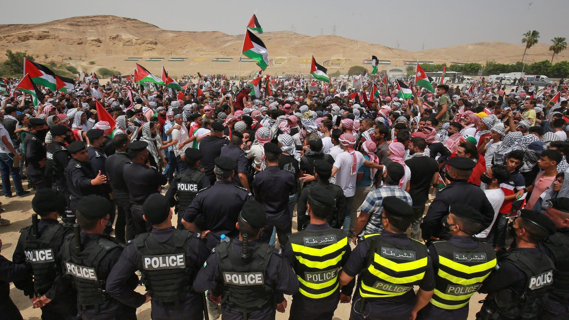 من المظاهرات قرب الحدود الاردنية الإسرائيلية بمنطقة الكرامة