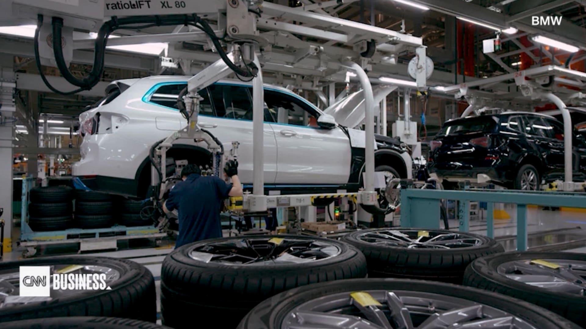 شركة BMW: لن تتخلى عن محركات الاحتراق الآن