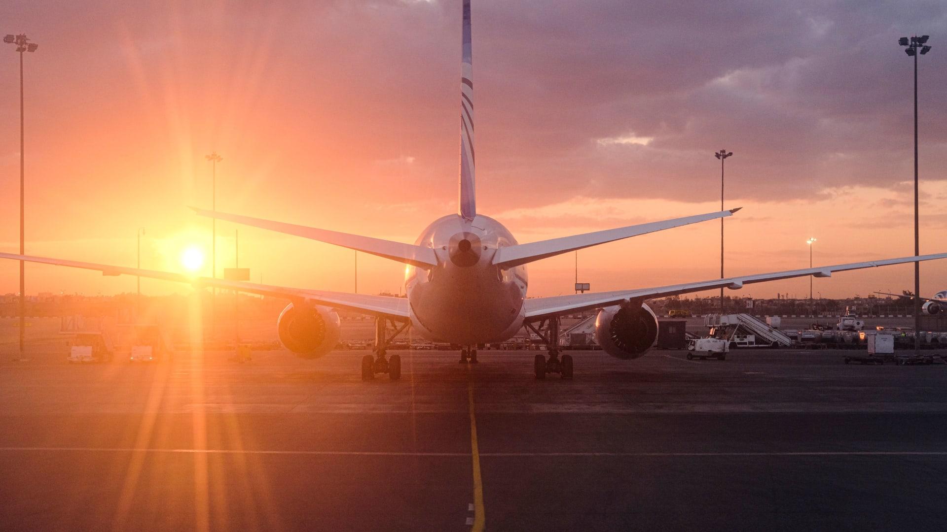 بعد بدء انتعاش السفر.. هذه كانت المسارات الجوية الأكثر ازدحاماً بين الدول العربية الشهر الماضي