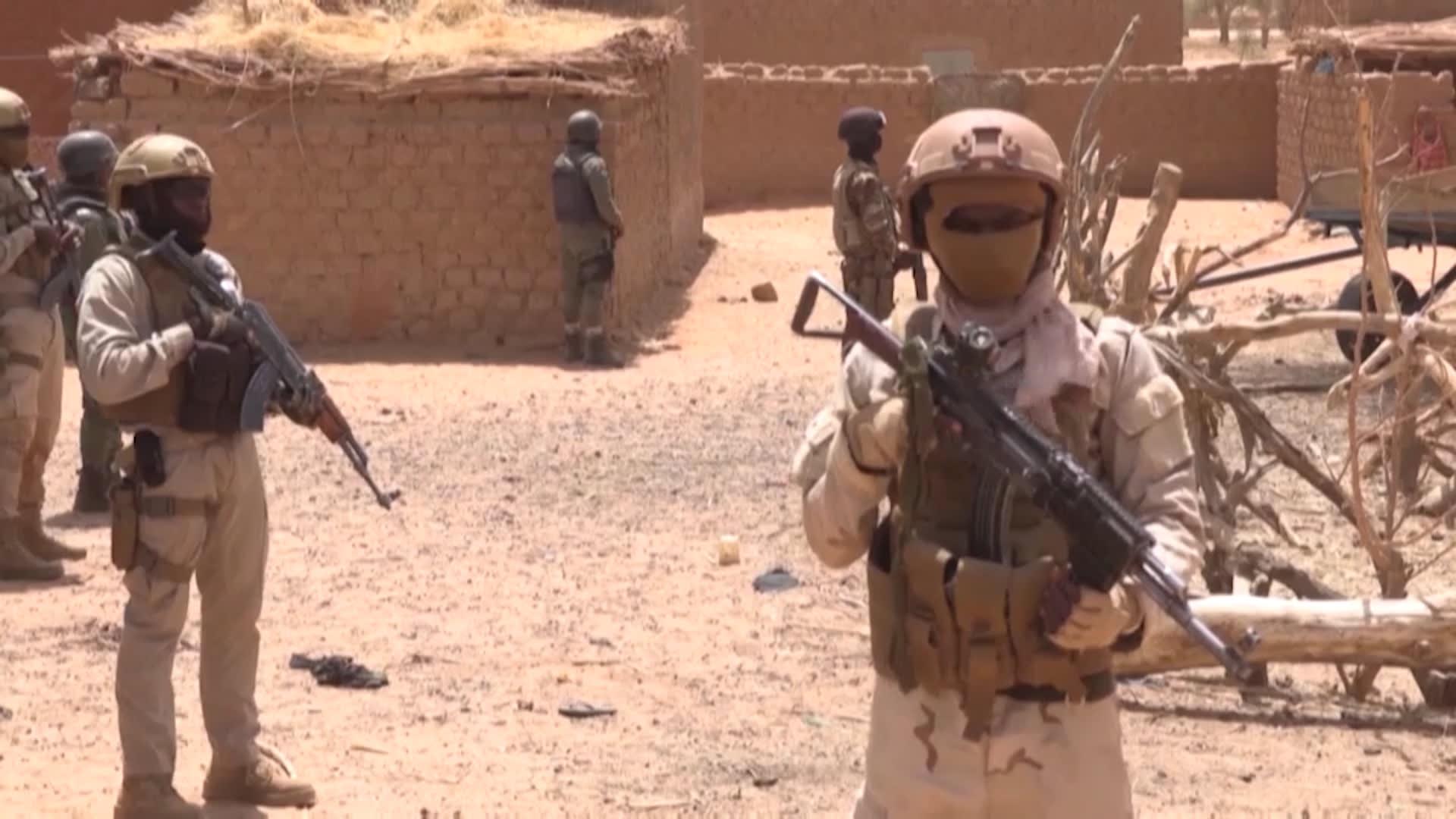 بعد محاولة اغتياله واستمرار انعدام الأمن بمنطقة الساحل.. رئيس النيجر يتحدث لـ CNN