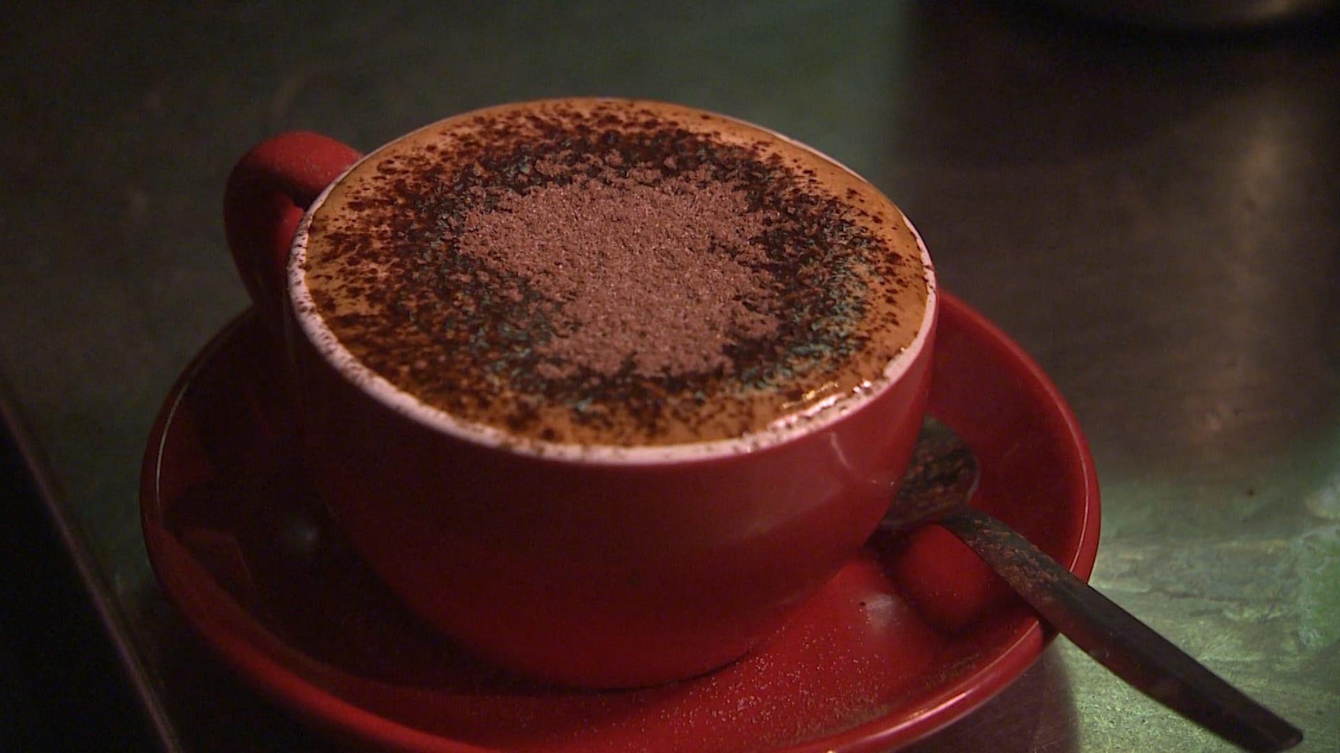 هل تحتاج إلى شرب الكثير من القهوة كل يوم؟ السبب في ذلك قد يكون مرتبطًا بجيناتك