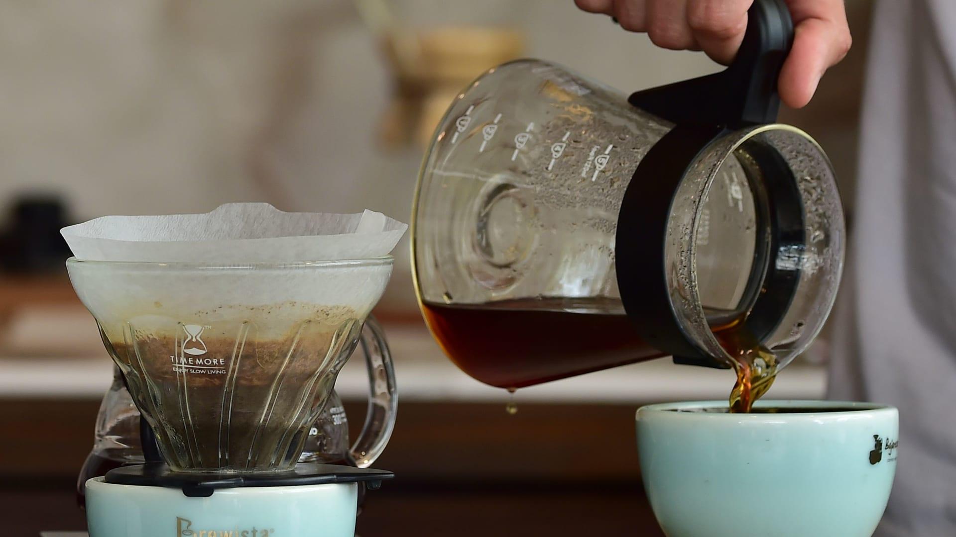 لا تستطيع بدء يومك دون كوب من القهوة السوداء؟ إليك 6 فوائد لهذا المشروب