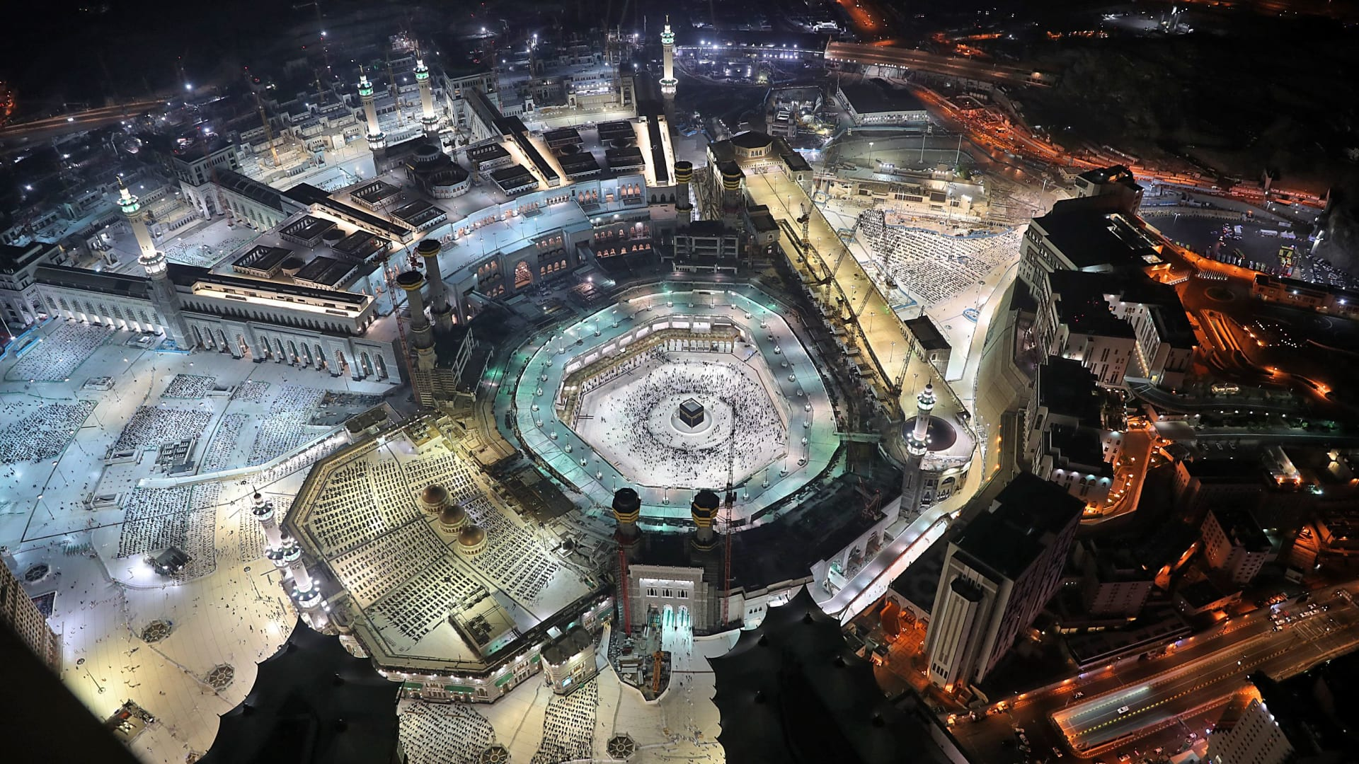 السعودية تعلن عن غرامة مالية على من يحاول التسلل لمناطق الحج