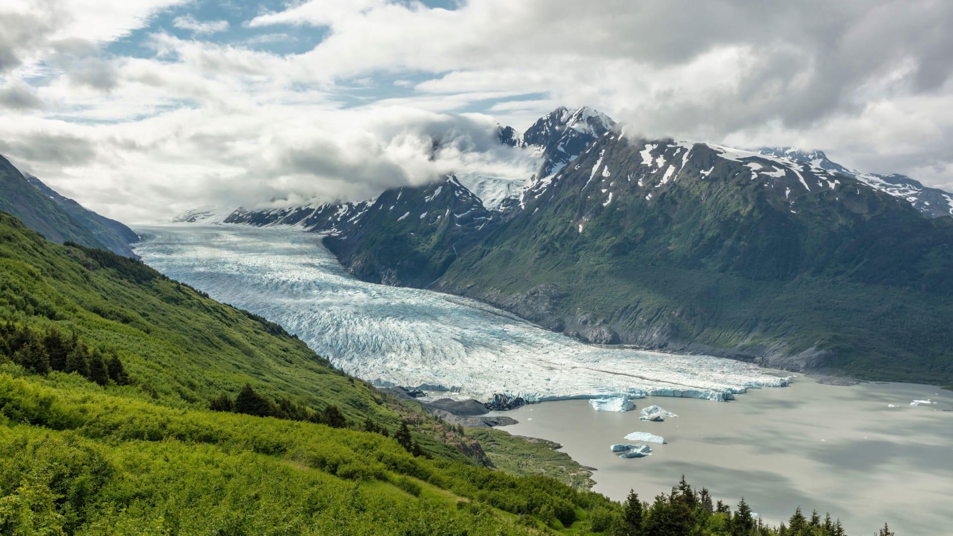 9 وجهات سفر رائعة للهرب من درجات الحرارة المرتفعة لصيف عام 2021