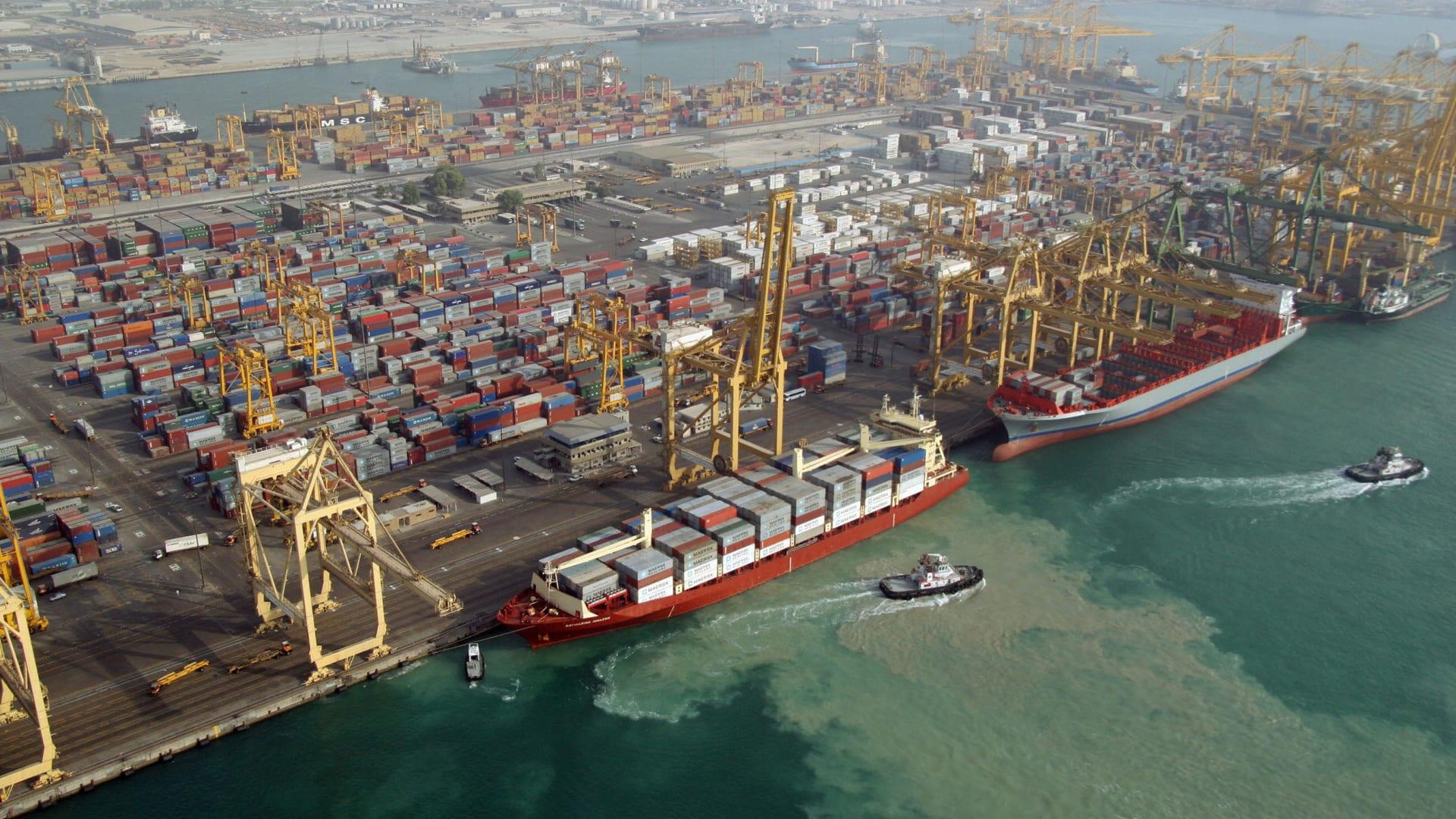 مسؤول في حكومة دبي: لا إصابات.. وسنجري تحقيقا في انفجار ميناء جبل علي