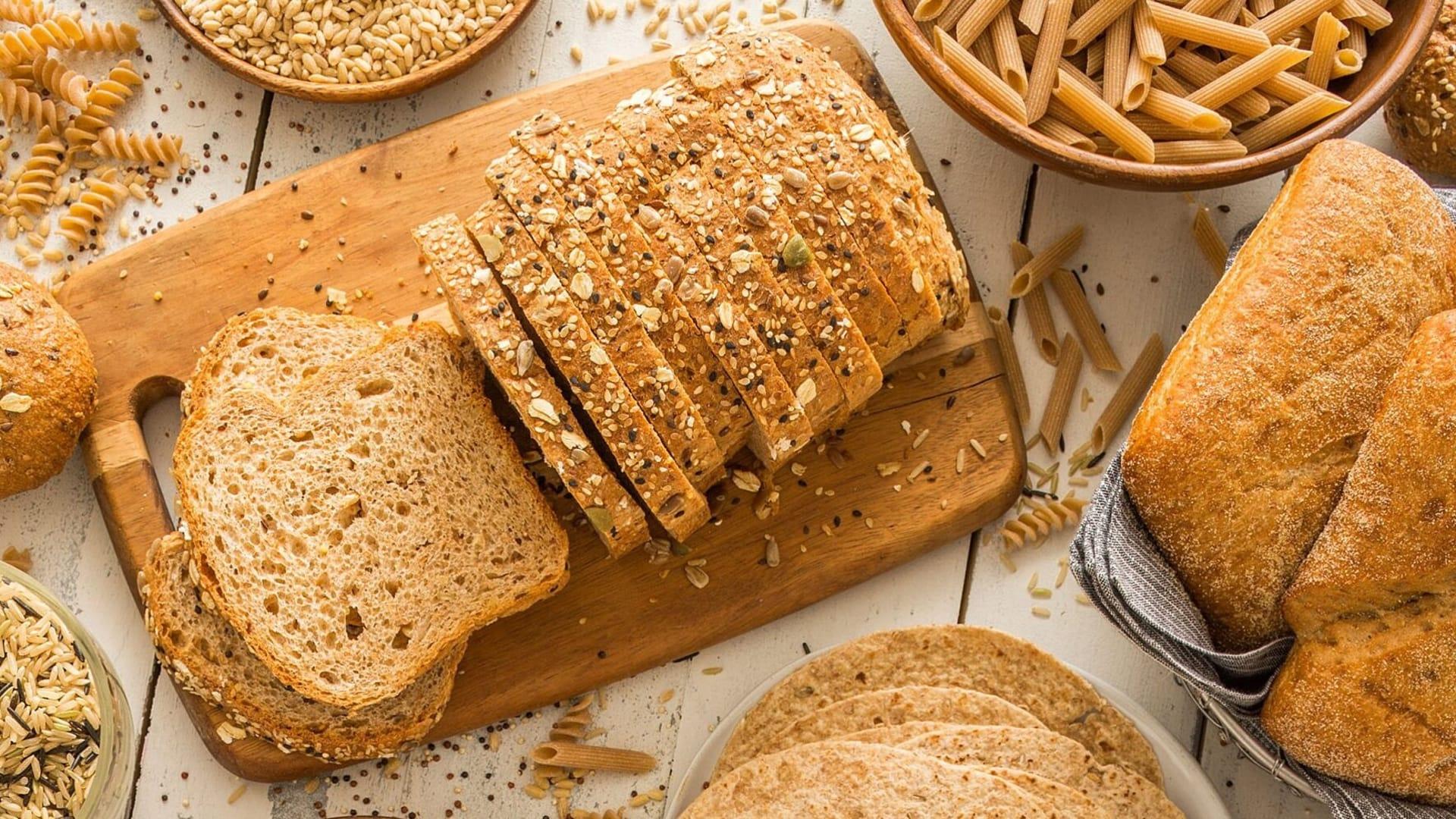 الحبوب الكاملة  تساعدعلى التحكم في الوزن وخفض ضغط الدم