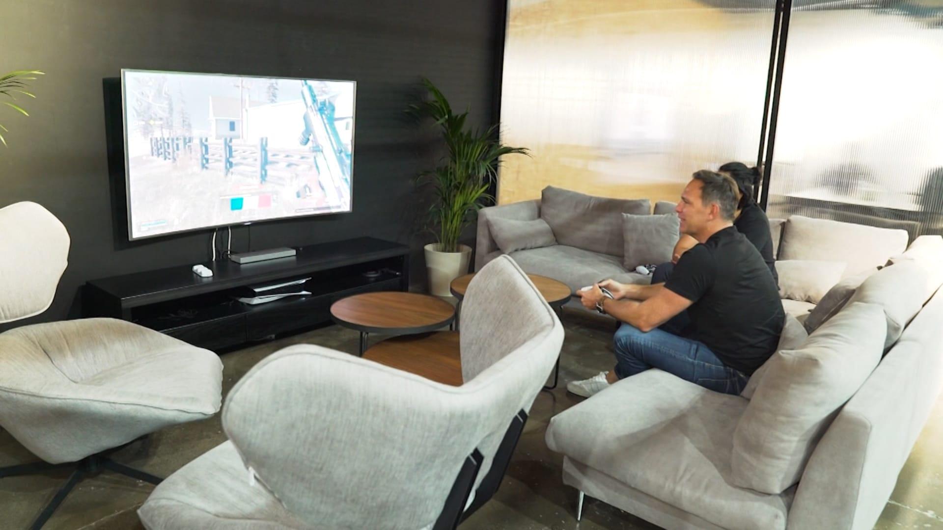 مع افتتاحها أول استوديو إبداعي لألعاب الفيديو في الشرق الأوسط.. شركة في دبي تحاول إنشاء مجتمع للاعبين في المنطقة