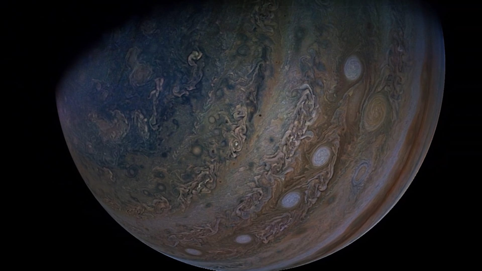 """شاهد عرضًا من الصور المذهلة لكوكب المشتري وأكبر أقماره """"جانيميد"""""""