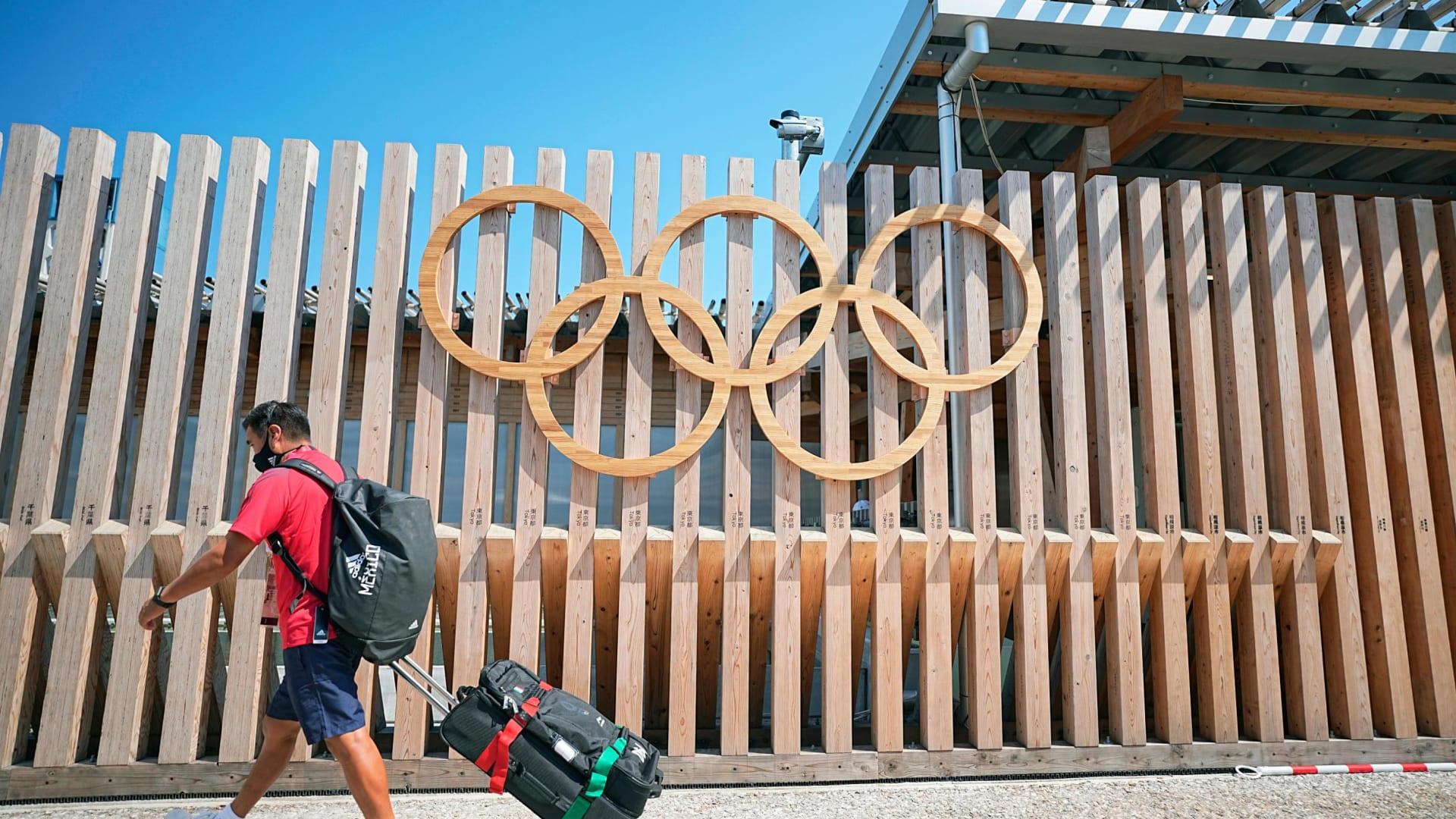 قبل أيام من بدء أولمبياد طوكيو 2020.. عدد حالات الإصابة بكورونا بين الرياضيين في القرية الأولمبية في تزايد مستمر