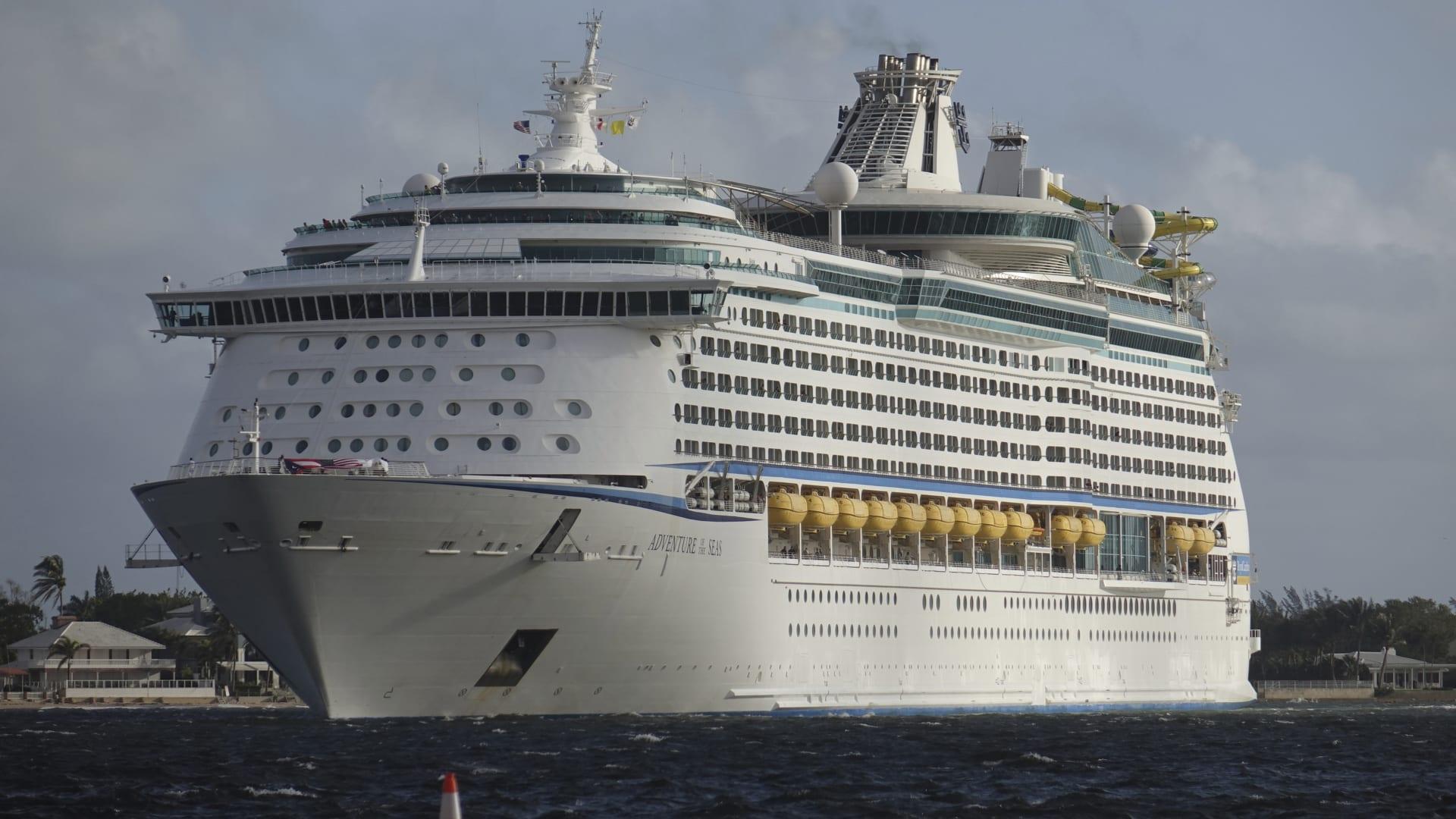 بينهم 4 ملقحين..ثبوت إصابة 6 ركاب بفيروس كورونا على متن سفينة سياحية