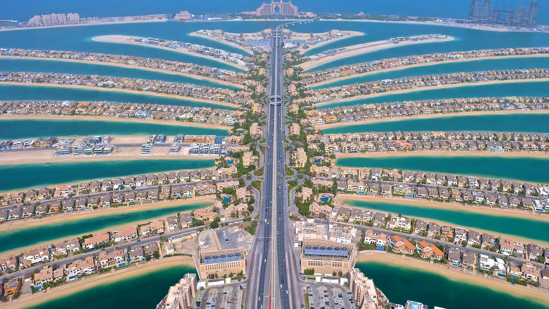 مدينة دبي بعدسة صانع المحتوى الفلبيني، أنجيلو سانتوس