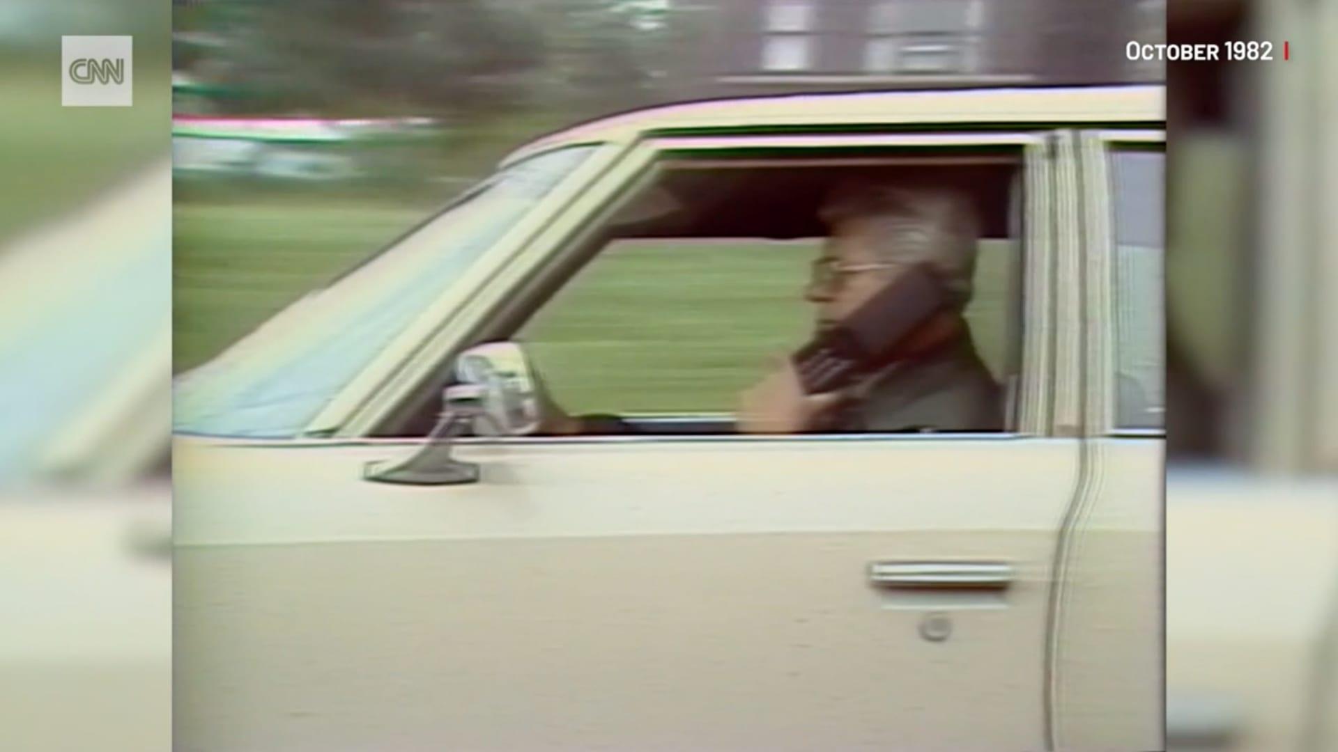 شاهد كيف قامت CNN بتغطية أخبار نشوء الهواتف المحمولة في عام 1982