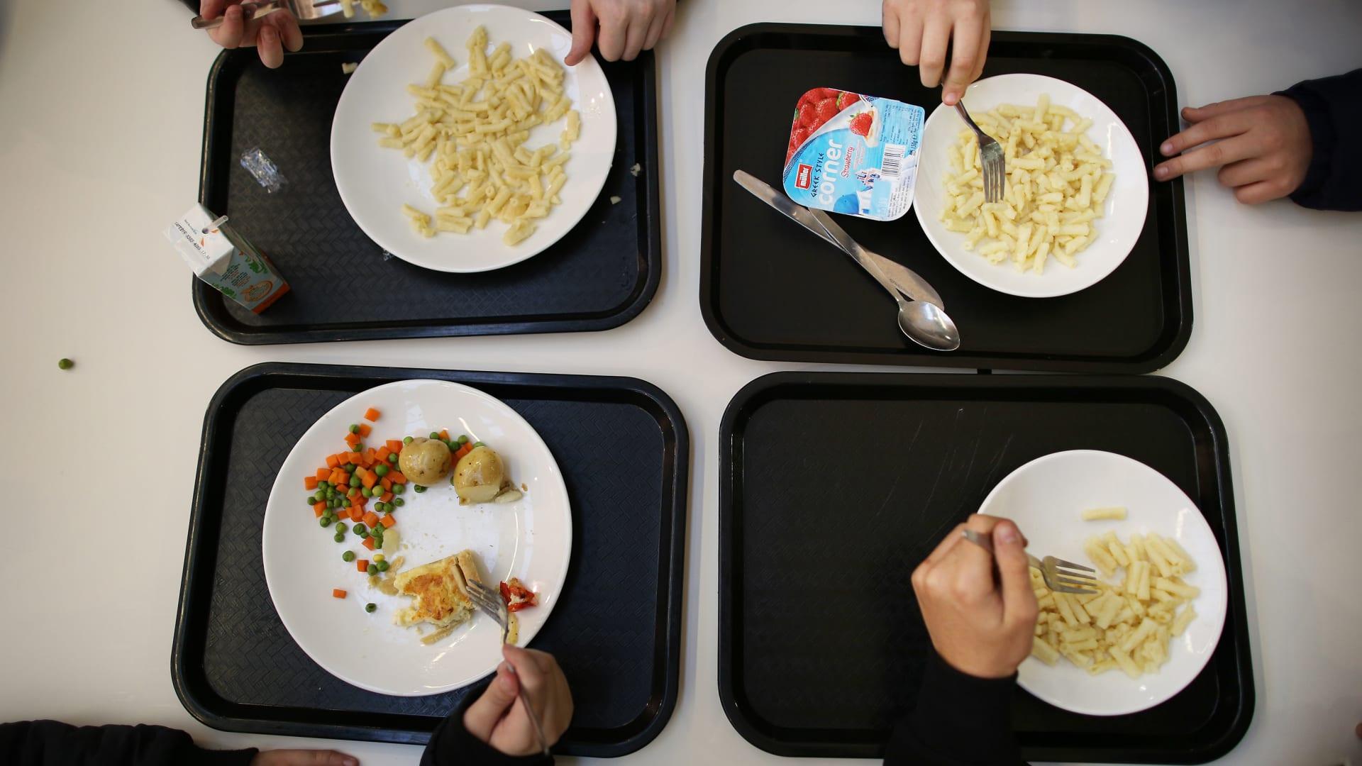 مرض متزايد بظل كورونا.. كيف يمكنك معرفة ما إذا كان طفلك يعاني من اضطراب الأكل؟