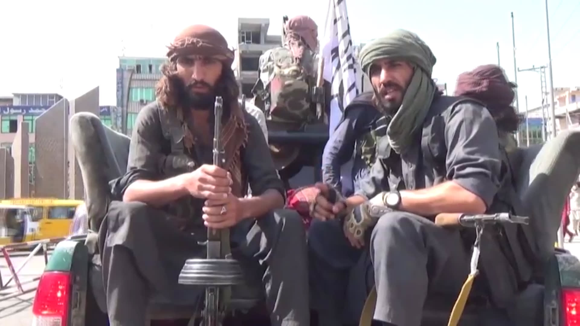كيف ستطبق طالبان الشريعة في ولايتها الثانية وماذا يعني للنساء والفتيات؟