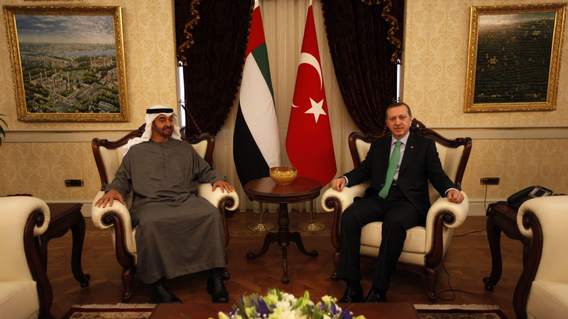 صورة أرشيفية للقاء بين أردوغان ومحمد بن زايد