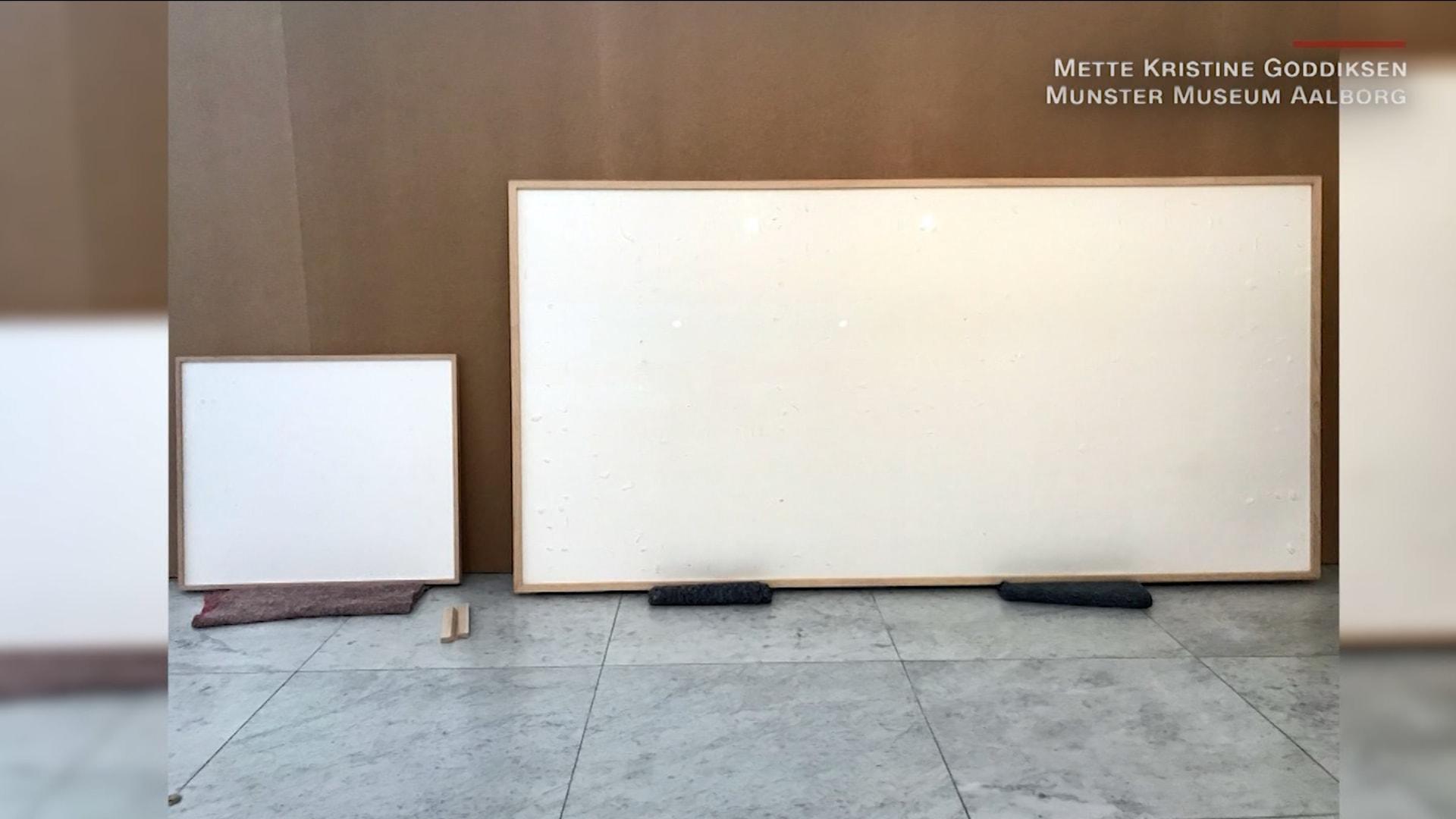 """""""خذ المال واركض"""" فنان يأخذ آلاف الدولارات من متحف بعد تكرار عمل سابق"""