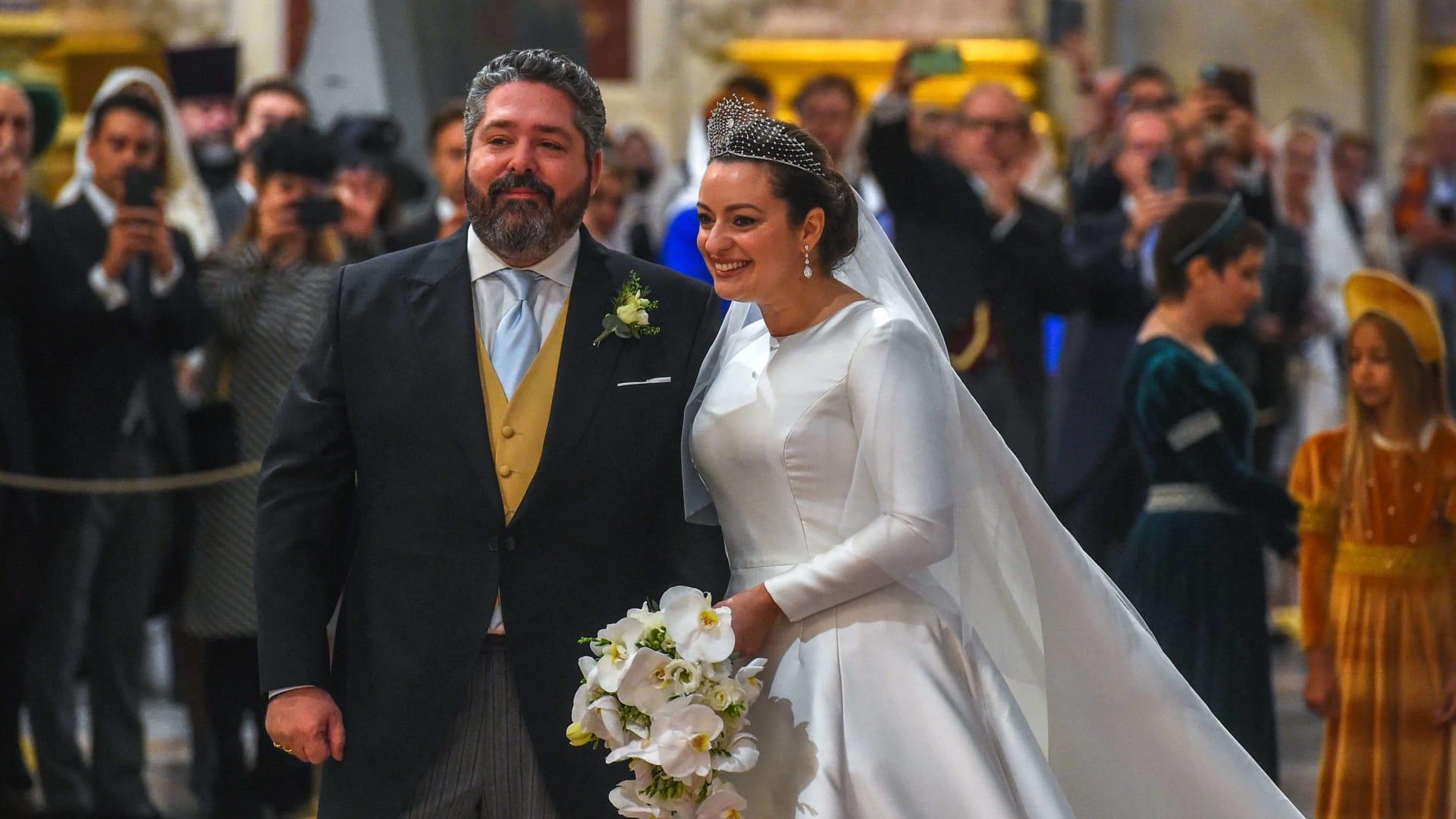شاهد.. حفل زفاف باذخ لسليل آخر عائلة ملكية في روسيا