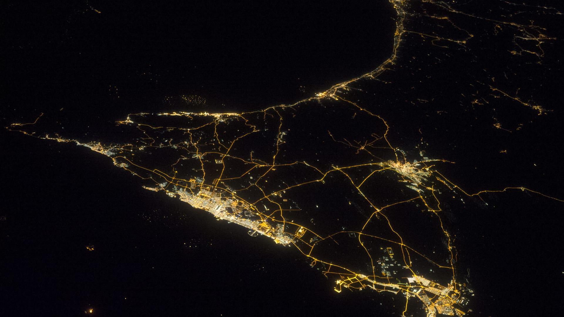 صورة للإمارات العربية المتحدة من الفضاء