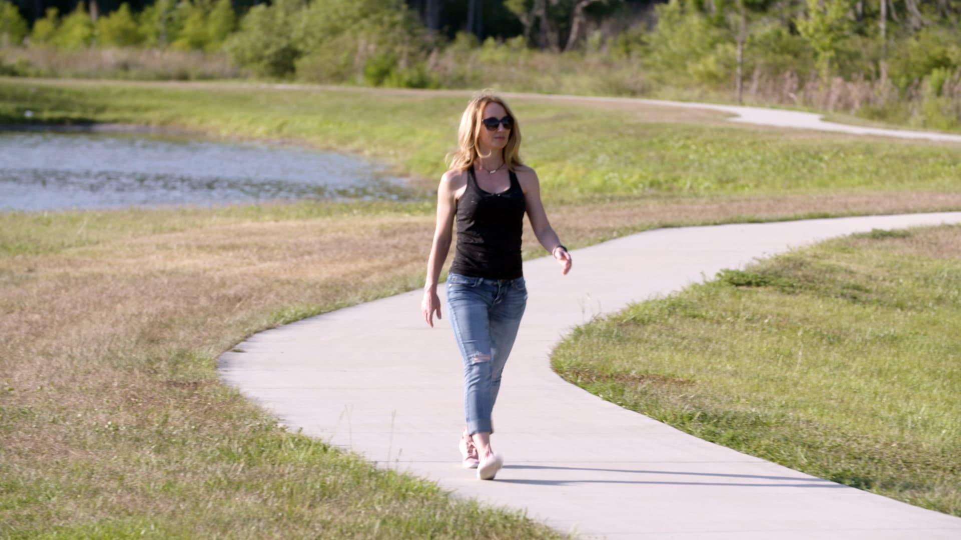 كيف تمشي؟ إليك خطوات لتحسين بعض الأخطاء الأكثر شيوعًا في المشي