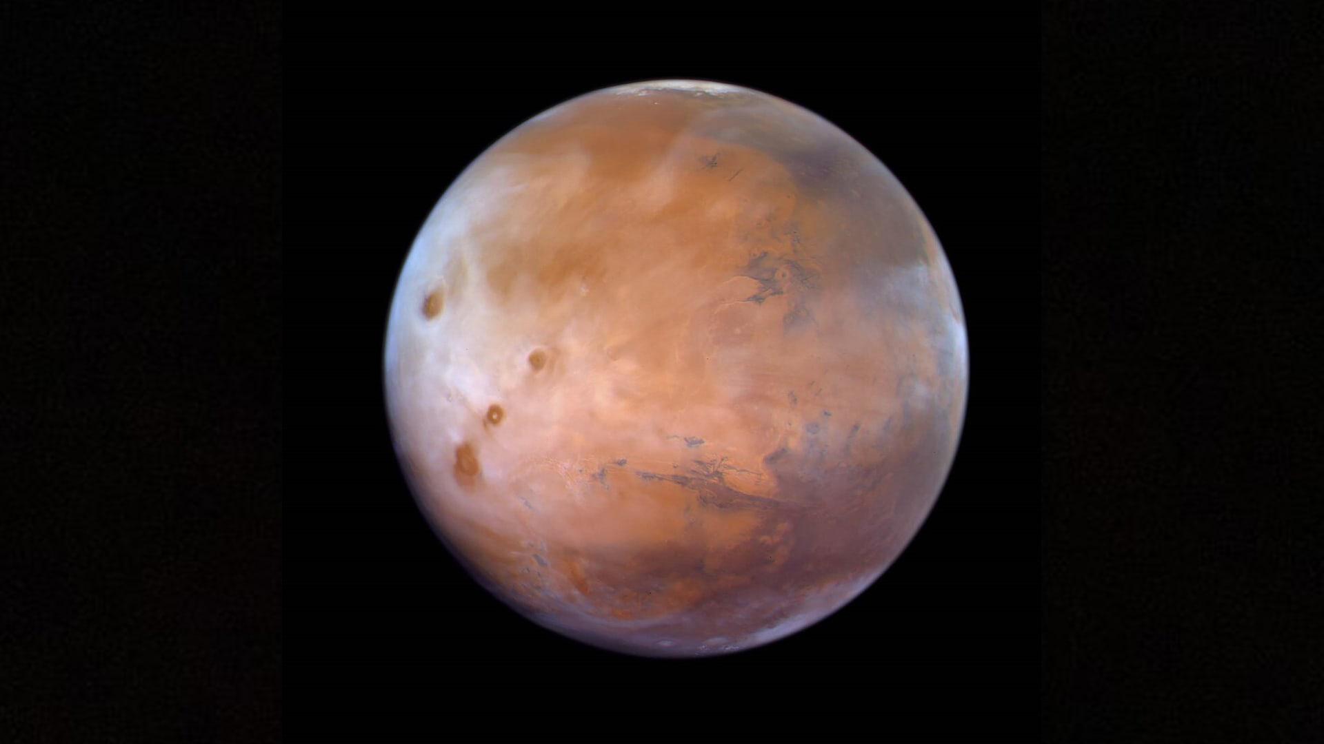 """""""مسبار الأمل"""" يقدم اكتشافات جديدة عن المريخ.. ومحمد بن راشد: بدأنا مشاركة البيانات"""