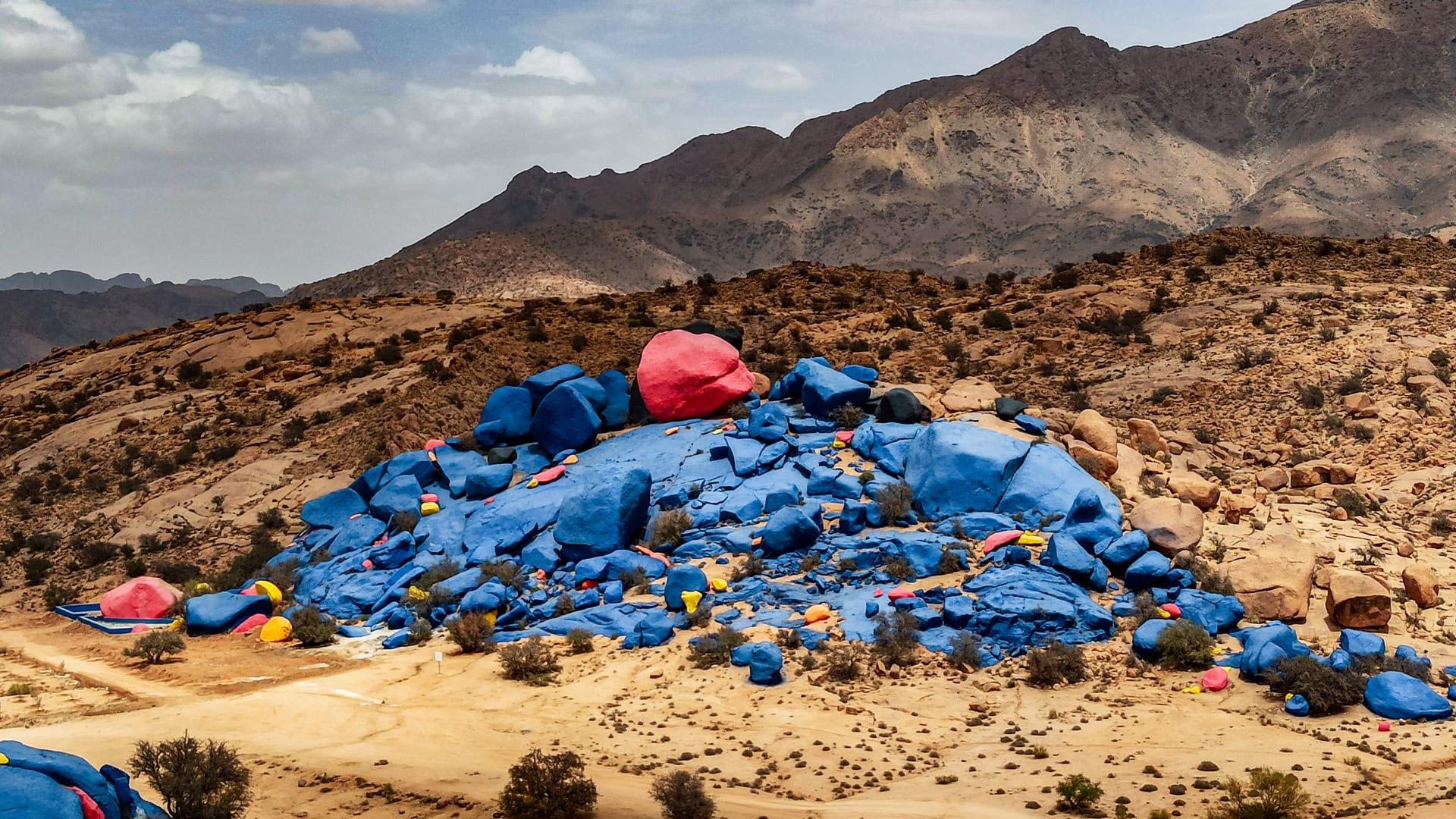 لوحة فنية وسط الطبيعة في المغرب..ما حقيقتها؟