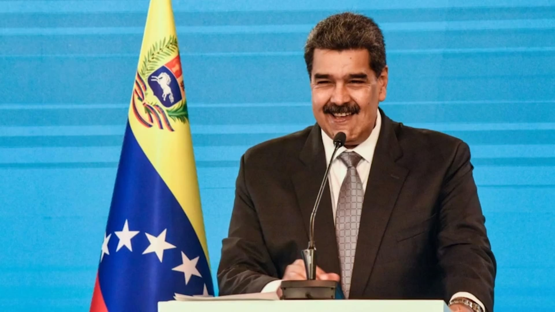 الولايات المتحدة تسلم ممولاً رئيسياً لرئيس فنزويلا