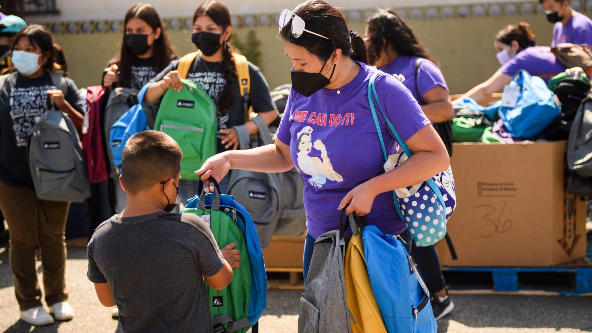 """المراكز الأمريكية لمكافحة الأمراض والسيطرة عليها: لقاح """"فايزر"""" يجنّب المراهقين الاستشفاء بنسبة 93%"""