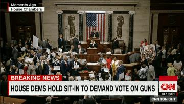 شاهد: اعتصام تاريخي للحزب الديمقراطي داخل قاعة مجلس النواب