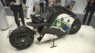 """أي مركز شرطة في الشرق الأوسط يملك درّاجة """"باتمان"""" هذه؟"""