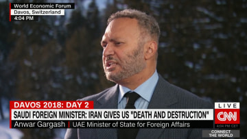 قرقاش يرد على سؤال لـCNN عن إمكانية تصاعد أزمة قطر إلى مواجهة عسكرية