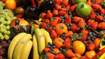 12 نوعاً من الخضار والفاكهة الأكثر تلوثاً بالمبيدات الحشرية
