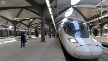 السعودية على موعد مع انطلاق قطار الحرمين السريع