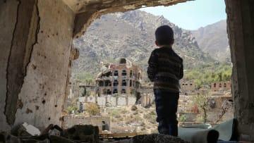 تقرير: 85 ألف طفل قد يكونوا قد ماتوا جوعاً في اليمن منذ 2015