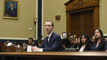 """هل كان عام 2018 يدعو إلى """"الفخر"""" في """"فيسبوك""""؟"""