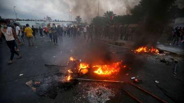 مواجهات عنيفة بين المتظاهرين وقوات الأمن العراقية في بغداد