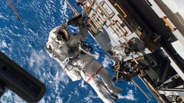"""""""بقعة بالسعودية"""" تدفع رائدة فضاء لسؤال ناسا عنها.. وهذا الرد"""