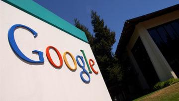 أوروبا تحقق في جمع غوغل وفيس بوك للبيانات واستخداماتها