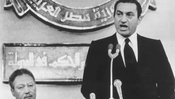 بعد وفاته.. تسلسل زمني لأبرز المحطات في حياة حسني مبارك