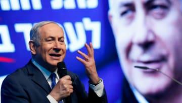 """بيبي """"الساحر"""" يسحر مؤيديه ليفوز بالانتخابات الإسرائيلية القادمة"""